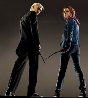 draco_and_hermione_shot_by_evgeniasummer-d51u5db