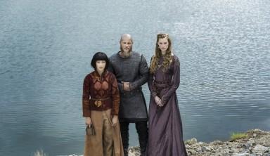 Vikings-Season-4-Travis-Fimmel-Aylssa-Sutherland-Dianne-Doan-940x545