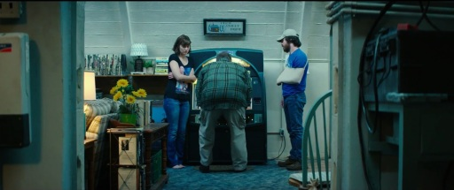 10-awesome-things-in-the-10-cloverfield-lane-trailer-miley-who-791893